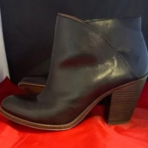 Lucky Brand Black Leather Pull On Bootie Sz 10